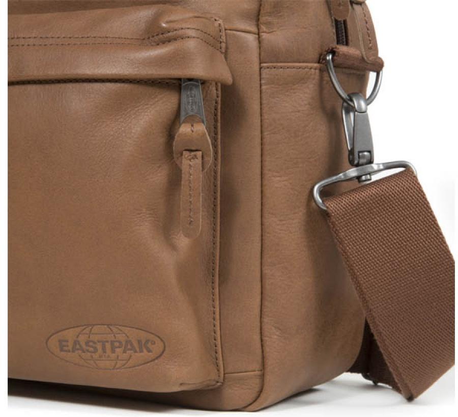 Borsa a tracolla eastpak tomec brownie leather ek023 - dettaglio 5