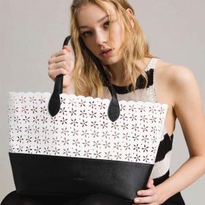 Twinset shopping bag con dettagli a fiori 191ta7160 bicolor nero e neve similpelle - dettaglio 1